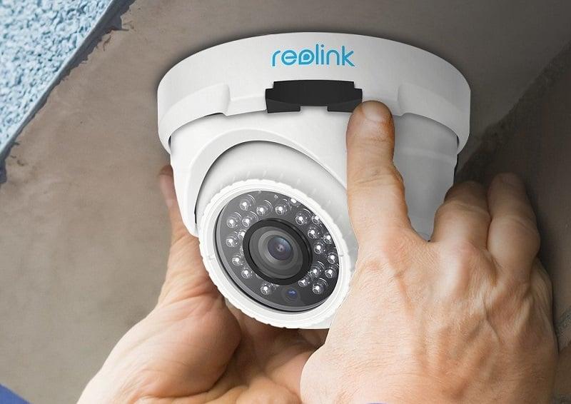 دوربین امنیتی مجهز به حسگر حرکتی