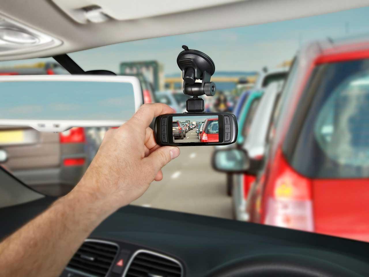 دوربین ثبت حوادث خودرو