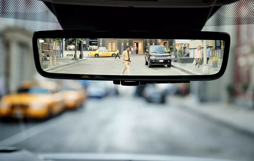 دوربین ماشین روی آینه