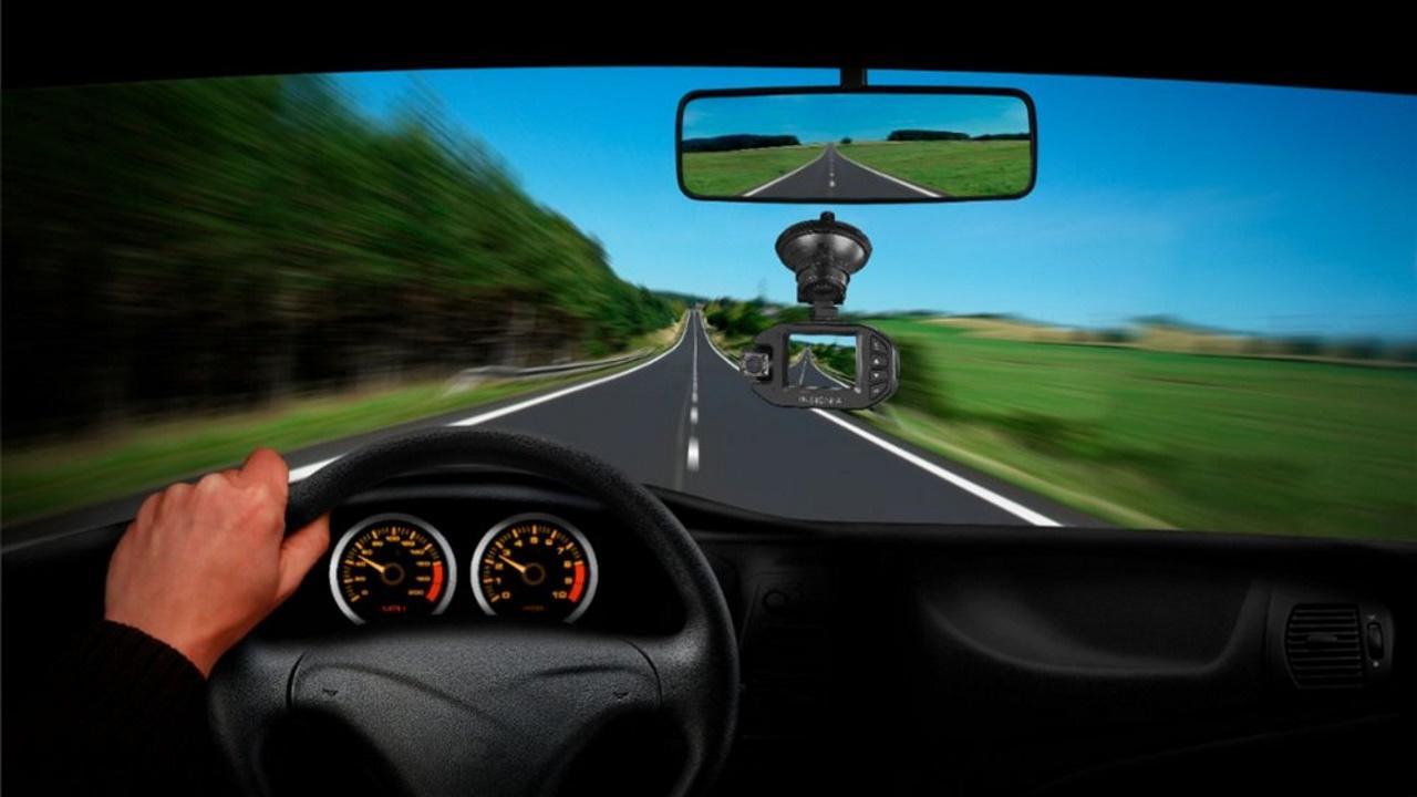کاربردهای دوربین نظارت خودرو