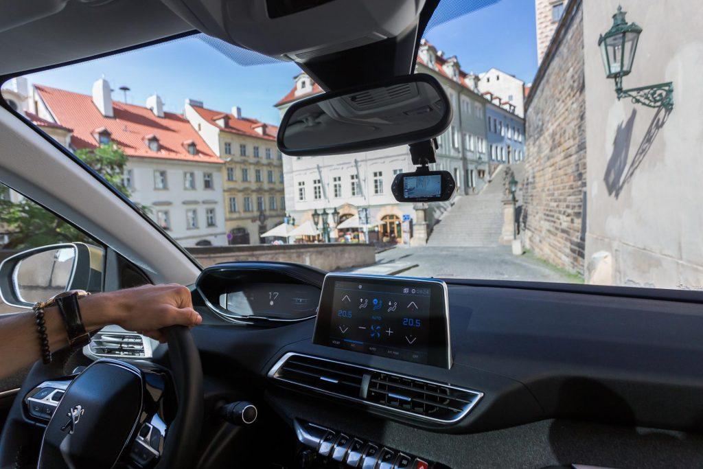 امکانات دوربین داخل ماشین | ضبط و فیلم برداری دوربین داخل خودرو | دوربین فیلم برداری داخل خودرو | دوربین عکس برداری داخل ماشین