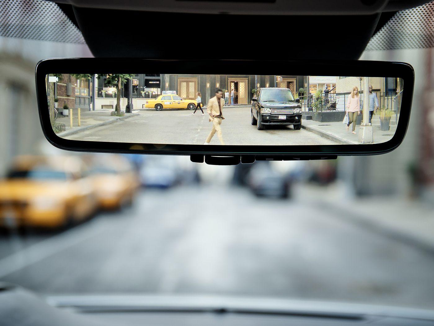 دوربین آینه ای خودرو چیست و چه مزایایی دارد ؟
