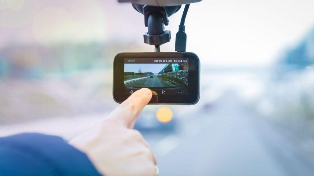 انواع دوربین خودرو | دوربین فیلمبرداری خودرو دارای کارت حافظه داخلی و رم خور