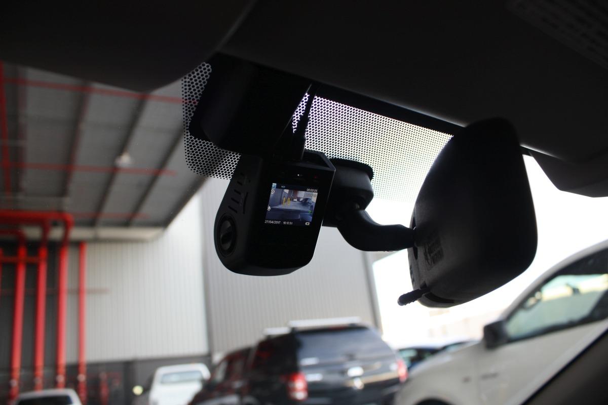 تجهیزات دوربین خودرو