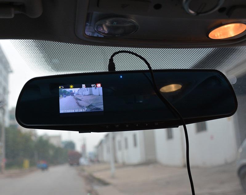 امکانات دوربین آینه ای خودرو