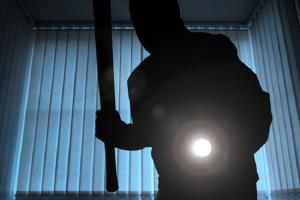 دزدی همسایه – ۶ راهکار طلایی و اثربخش برای متوقفکردن سارقین آپارتمانی