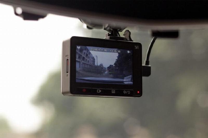 ویژگی های دوربین داخل خودرو | امکانات دوربین داخل خودرو | دوربین فیلم برداری داخل خودرو | دوربین عکس برداری داخل ماشین