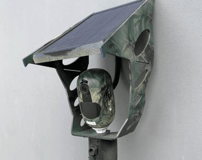 دوربین مداربسته در زیر چراغ و روشنایی | نحوه ی مخفی کردن دوربین مداربسته در فضای باز | روش های مخفی کردن دوربین مداربسته در منزل | پنهان کردن دوربین مداربسته در منزل و محل کار | استتار دوربین مداربسته در فضای باز