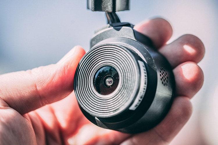 نقد و بررسی دوربینهای برند وای فو | دوربین فیلمبرداری خودرو wr1 | دوردید تک